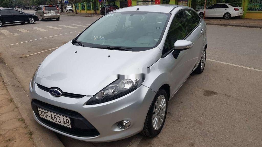 Cần bán lại xe Ford Fiesta sản xuất 2011 còn mới (1)
