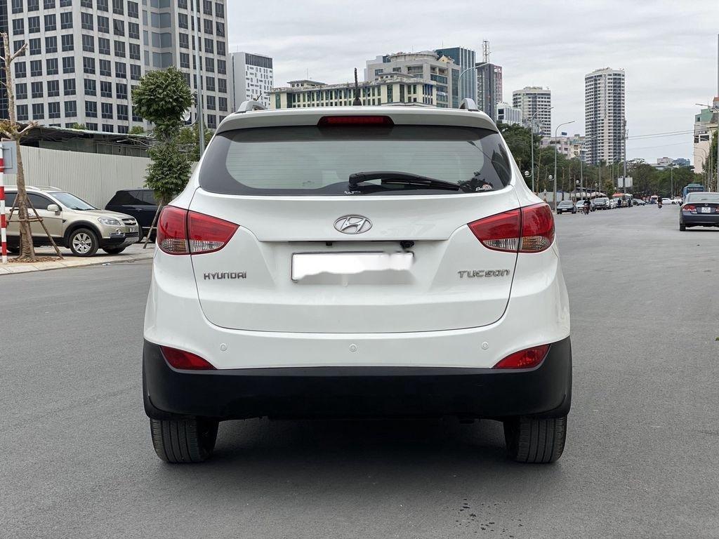Cần bán gấp Hyundai Tucson đời 2010, màu trắng, xe nhập (12)