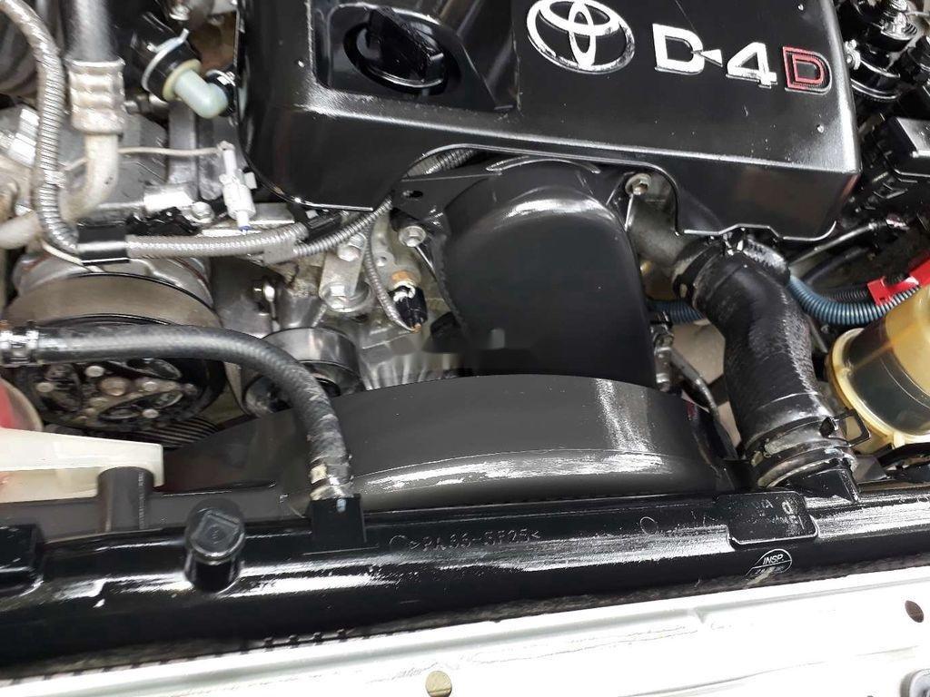 Cần bán gấp Toyota Fortuner sản xuất 2010 còn mới (11)