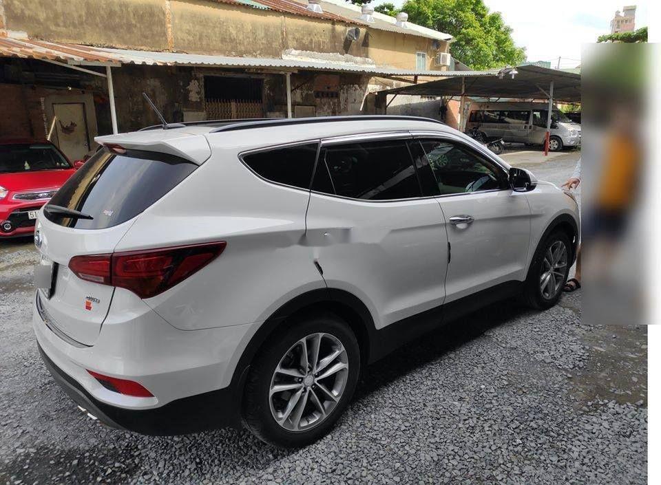 Xe Hyundai Santa Fe đời 2018, màu trắng ít sử dụng, giá tốt (2)