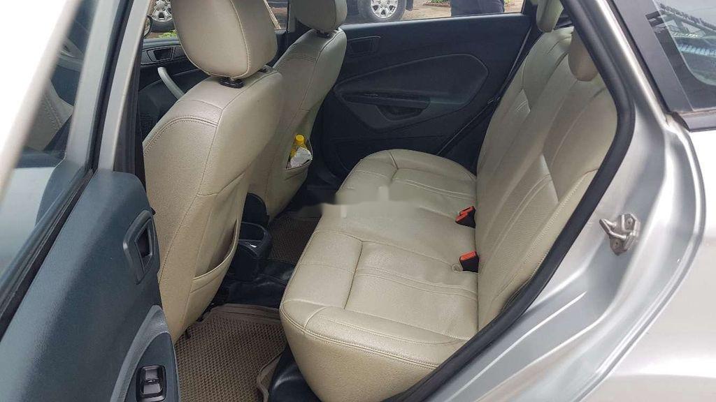 Cần bán lại xe Ford Fiesta sản xuất 2011 còn mới (8)