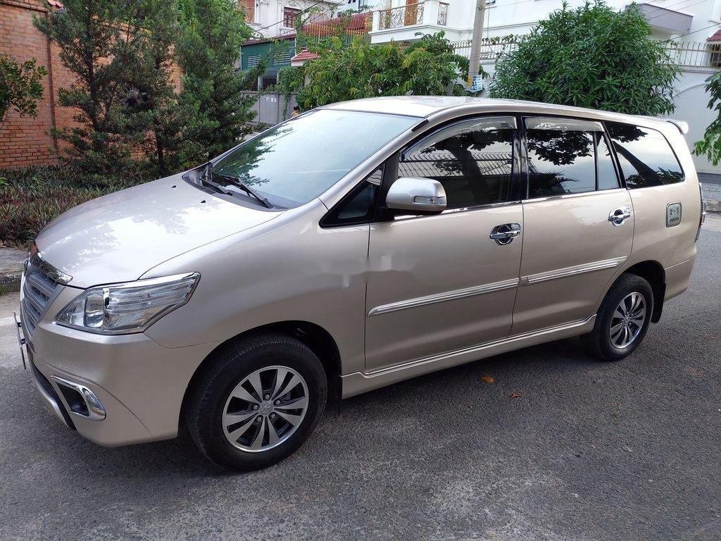 Bán Toyota Innova sản xuất năm 2014 giá cạnh tranh (2)