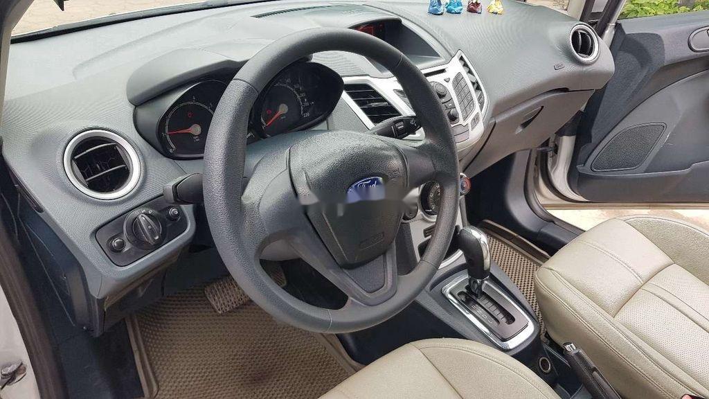 Cần bán lại xe Ford Fiesta sản xuất 2011 còn mới (7)