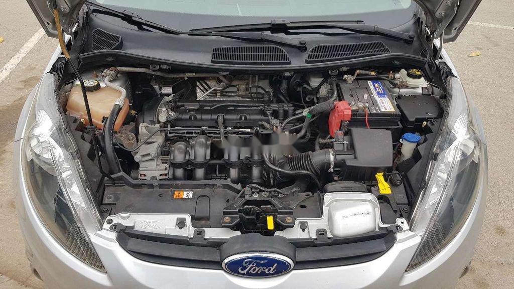 Cần bán lại xe Ford Fiesta sản xuất 2011 còn mới (9)