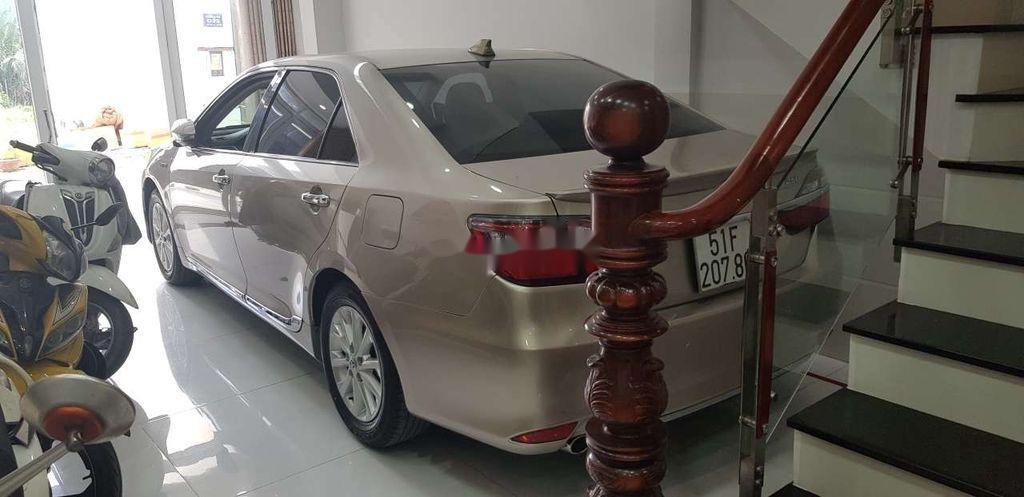 Cần bán Toyota Camry sản xuất 2015 còn mới, giá 730tr (6)