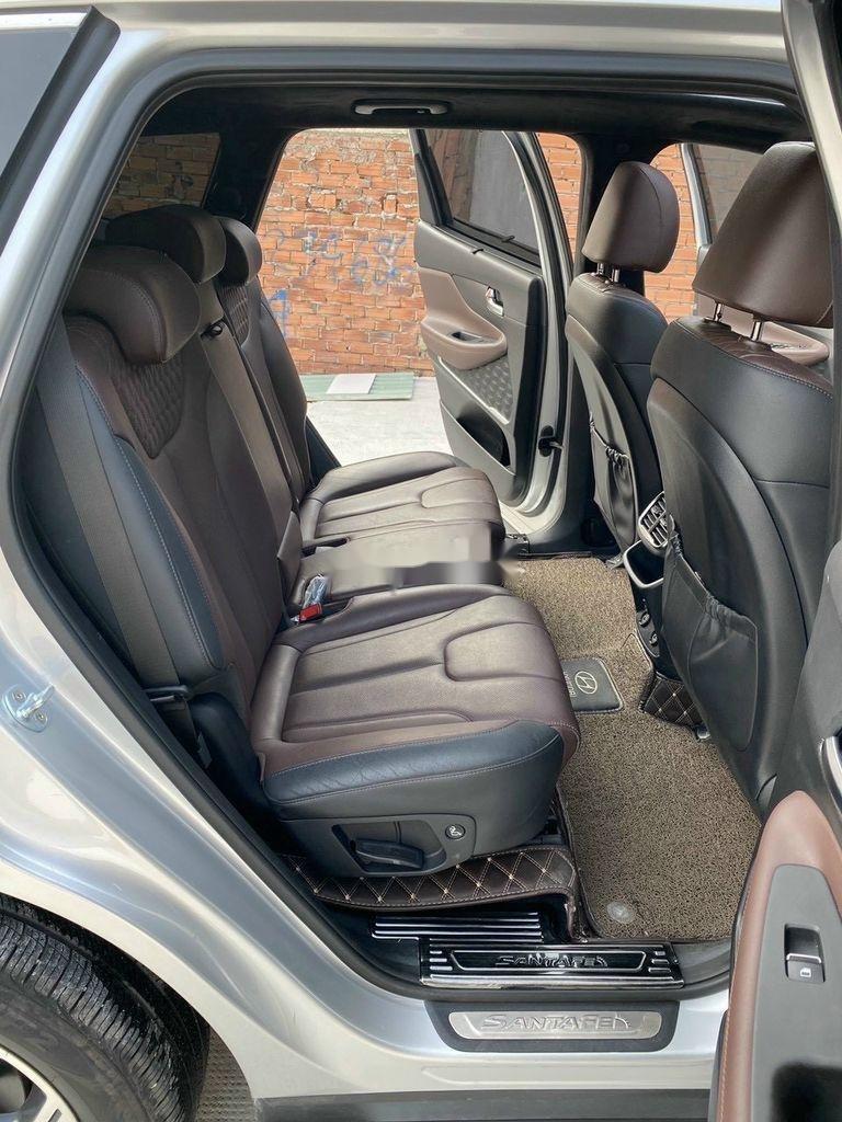 Cần bán gấp Hyundai Santa Fe 2019, màu bạc (11)