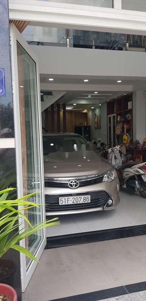 Cần bán Toyota Camry sản xuất 2015 còn mới, giá 730tr (2)