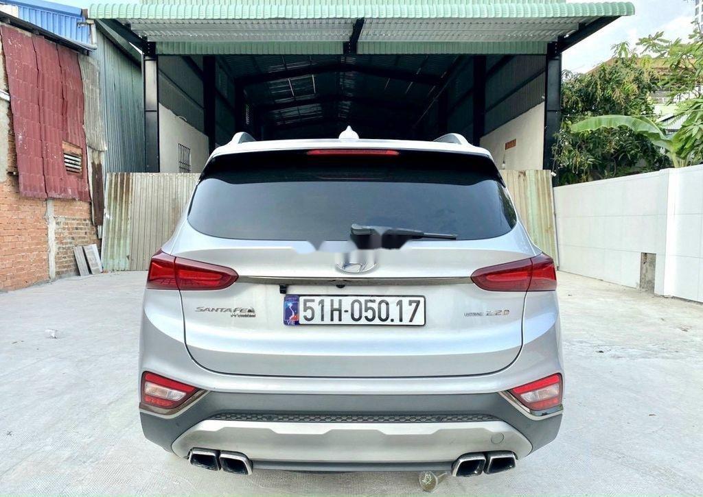 Cần bán gấp Hyundai Santa Fe 2019, màu bạc (5)