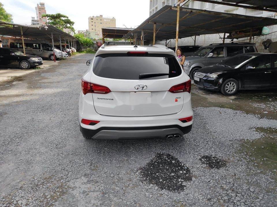 Xe Hyundai Santa Fe đời 2018, màu trắng ít sử dụng, giá tốt (4)