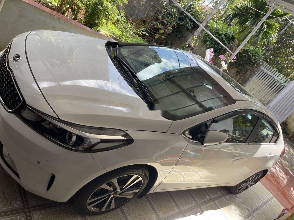 Cần bán lại xe Kia Cerato sản xuất năm 2018 còn mới (1)