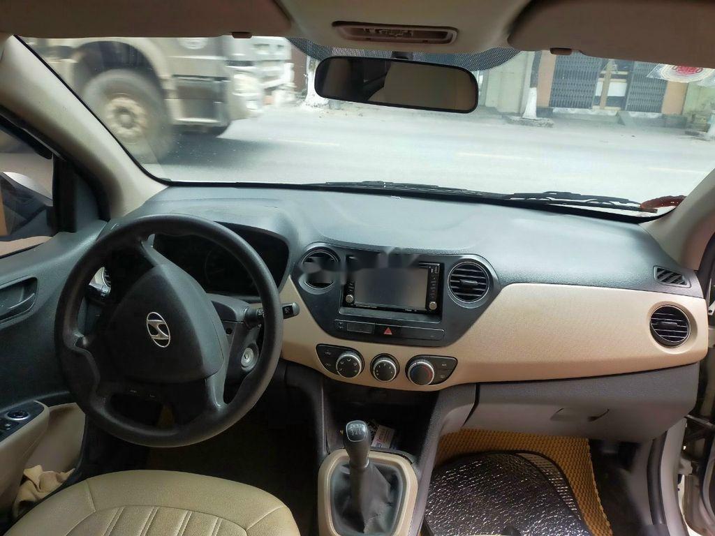 Cần bán lại xe Hyundai Grand i10 2017, màu bạc (3)