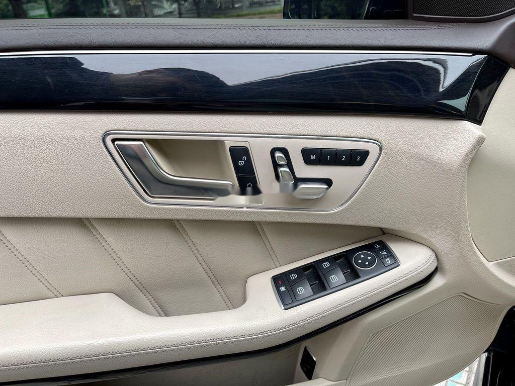 Cần bán Mercedes E250 AMG đời 2015, màu đen (12)