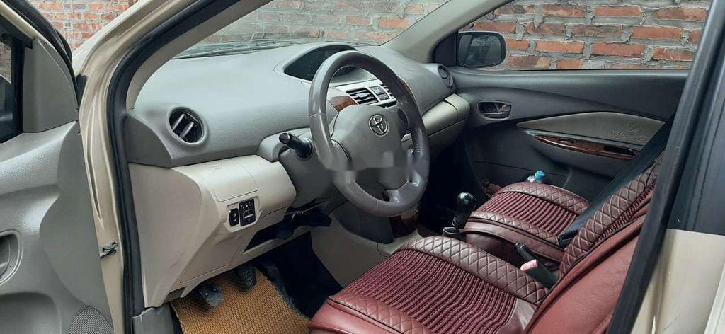 Bán Toyota Vios năm 2010 còn mới, giá tốt (3)