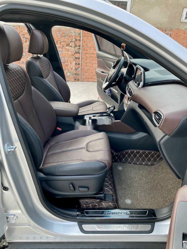 Cần bán gấp Hyundai Santa Fe 2019, màu bạc (8)