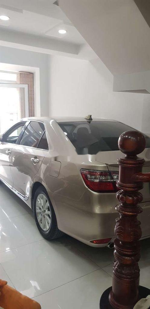 Cần bán Toyota Camry sản xuất 2015 còn mới, giá 730tr (5)