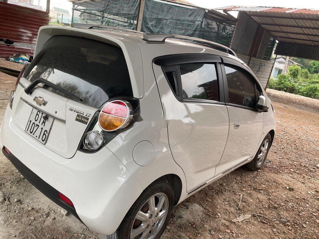 Cần bán xe Chevrolet Spark năm 2013, màu trắng  (2)