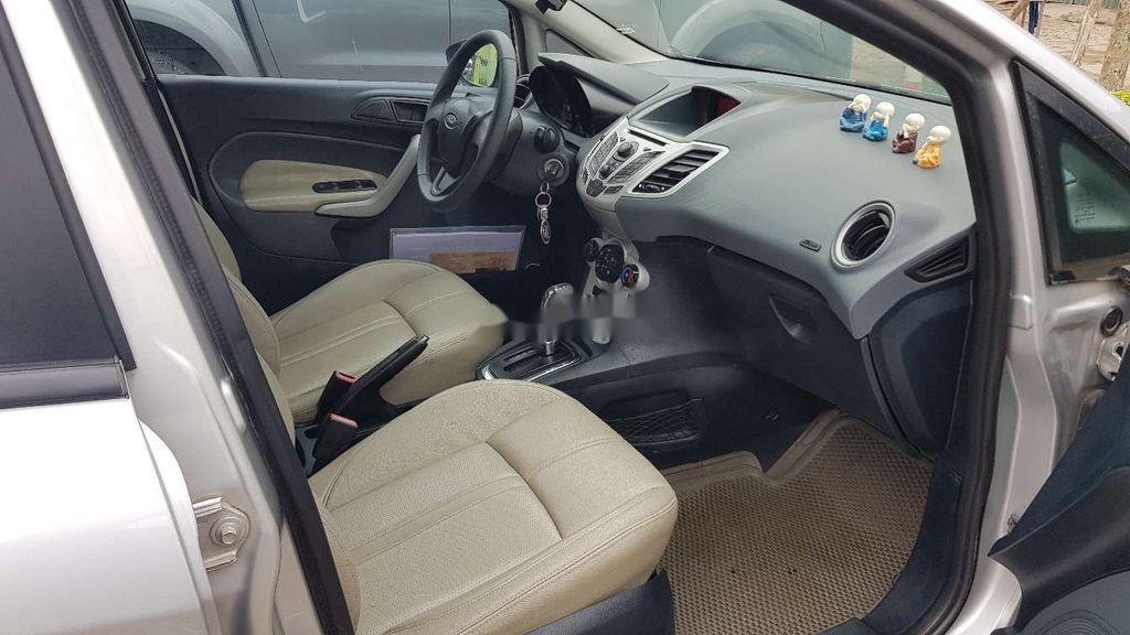 Cần bán lại xe Ford Fiesta sản xuất 2011 còn mới (5)