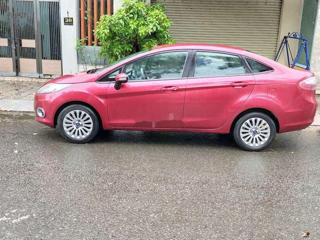 Cần bán gấp Ford Fiesta 2012, màu hồng, giá chỉ 315 triệu (2)