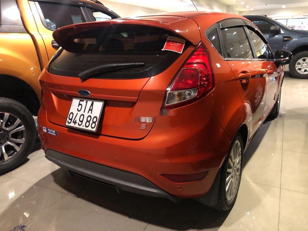Bán ô tô Ford Fiesta đời 2014, xe nhập, màu cam (2)