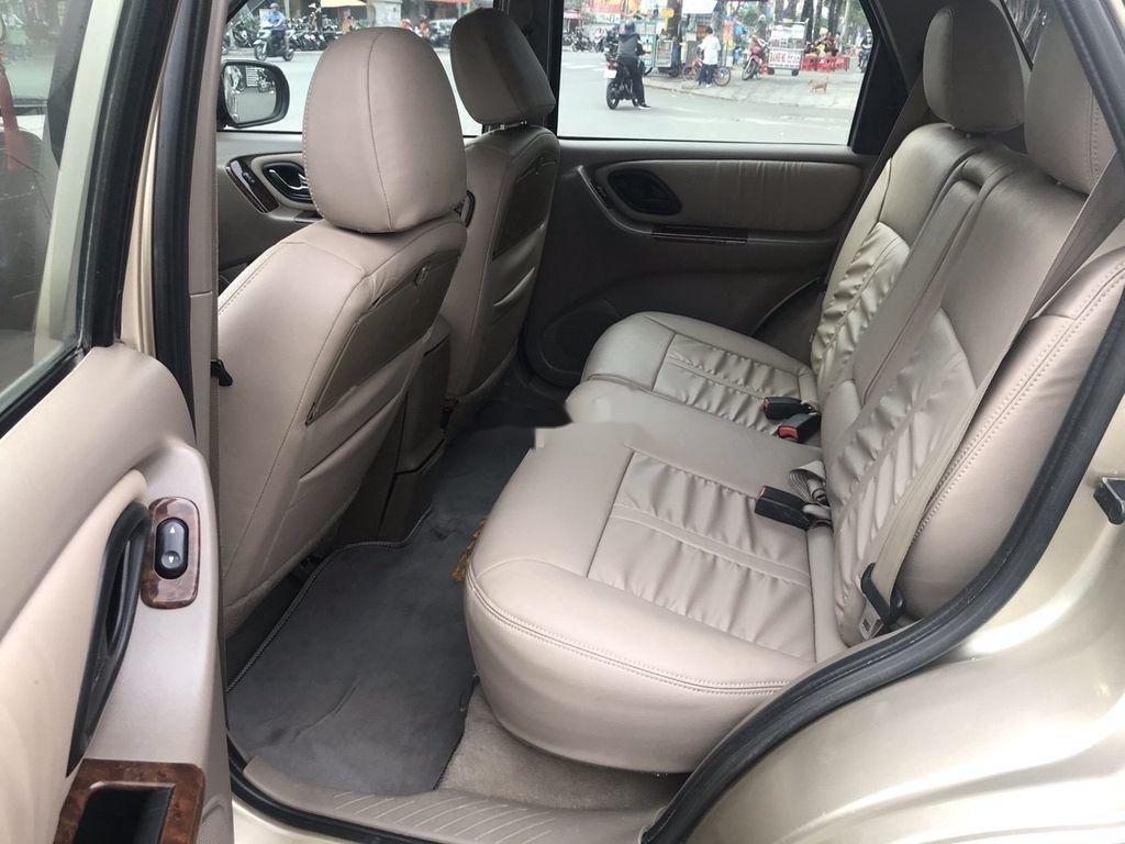 Cần bán gấp Ford Escape năm sản xuất 2004, giá mềm (8)