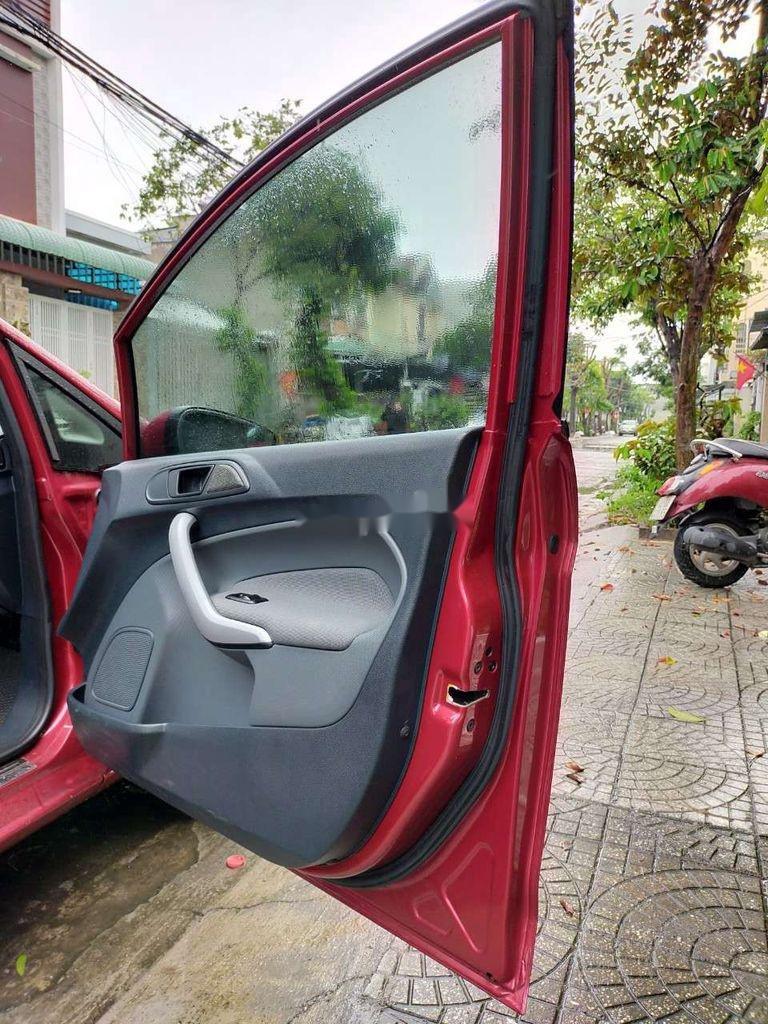 Cần bán gấp Ford Fiesta 2012, màu hồng, giá chỉ 315 triệu (9)