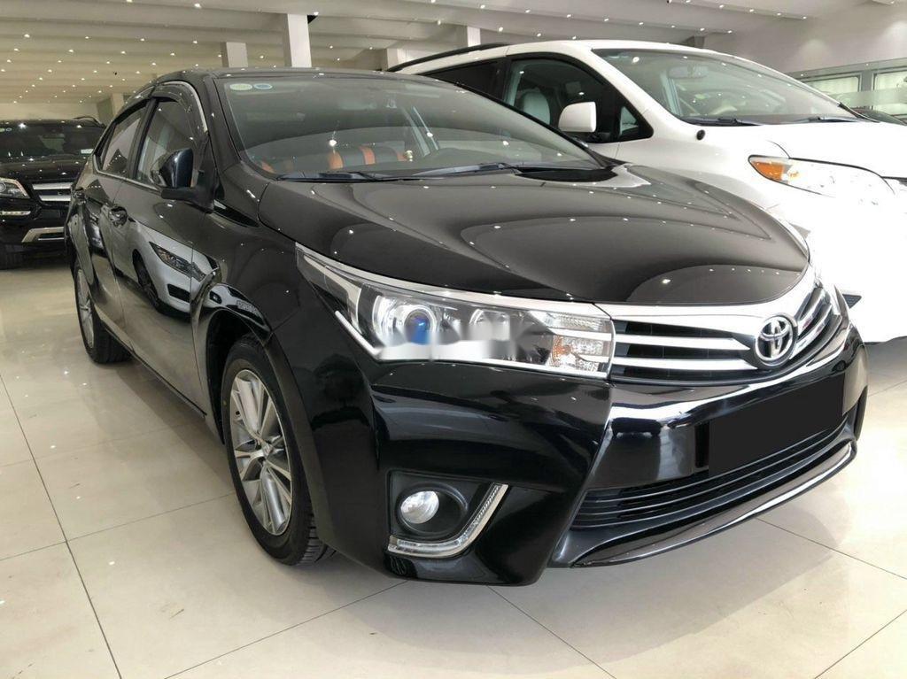 Cần bán xe Toyota Corolla Altis sản xuất 2017, màu đen (6)