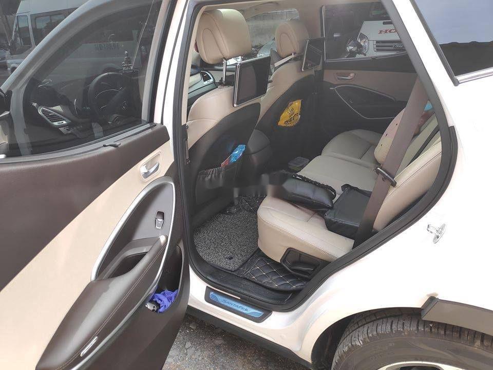 Xe Hyundai Santa Fe đời 2018, màu trắng ít sử dụng, giá tốt (5)