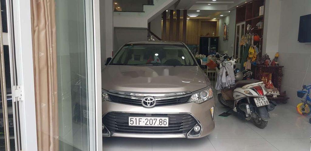 Cần bán Toyota Camry sản xuất 2015 còn mới, giá 730tr (1)