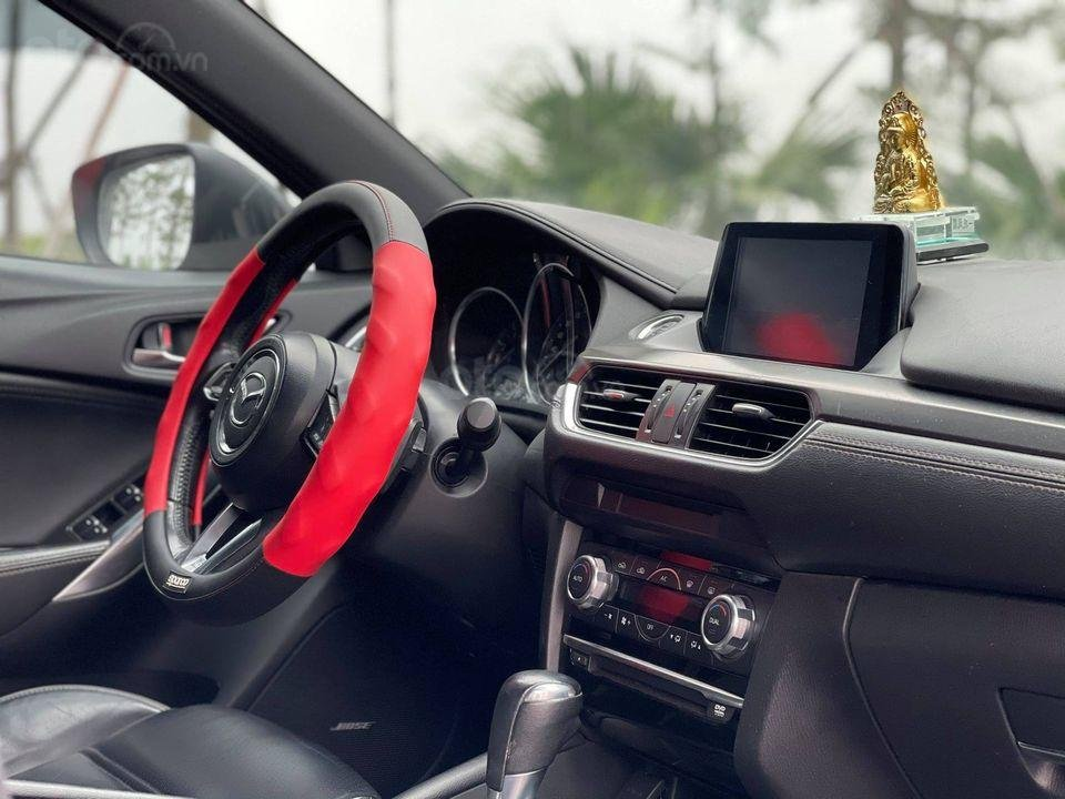 Cần bán gấp với giá ưu đãi nhất chiếc Mazda 6 2.5 Premium sản xuất 2016 (4)