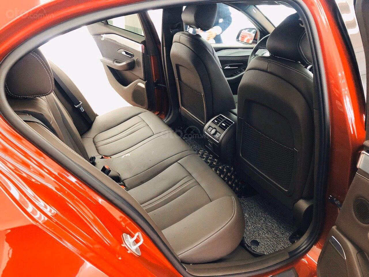 Bán VinFast LUX A2.0 sang chảnh với nhiều ưu đãi tháng 1, đủ màu, giao xe ngay, hỗ trợ 100% phí trước bạ (4)