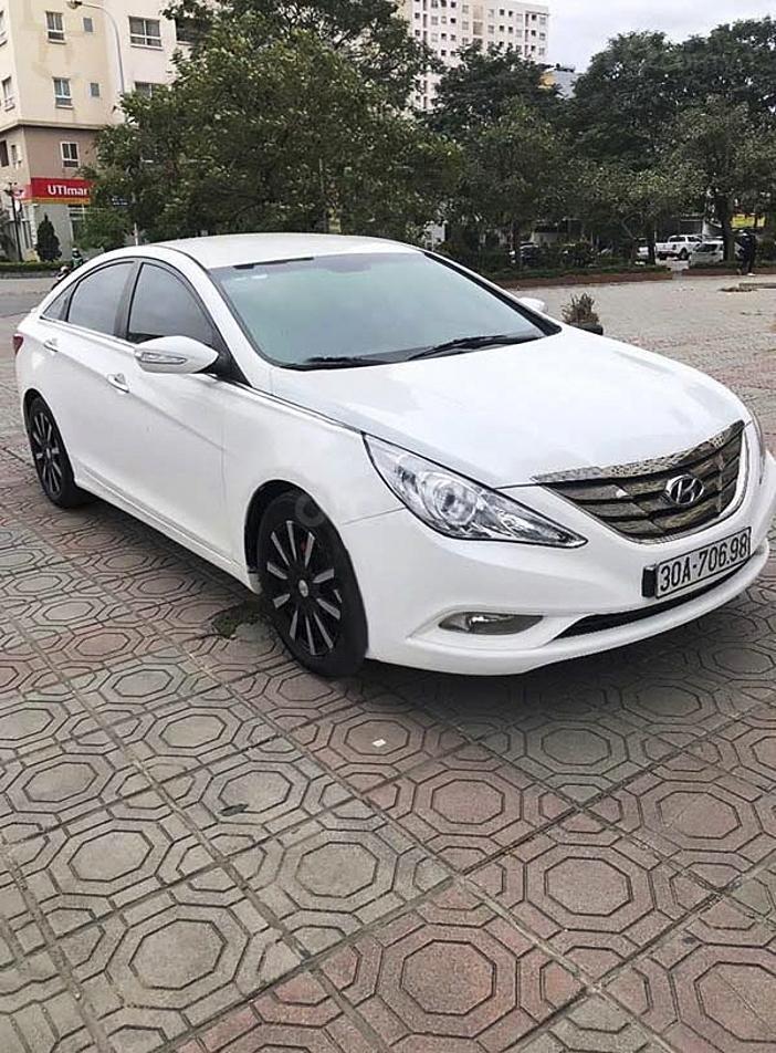 Bán Hyundai Sonata năm 2009, màu trắng, nhập khẩu còn mới, giá chỉ 406 triệu (1)