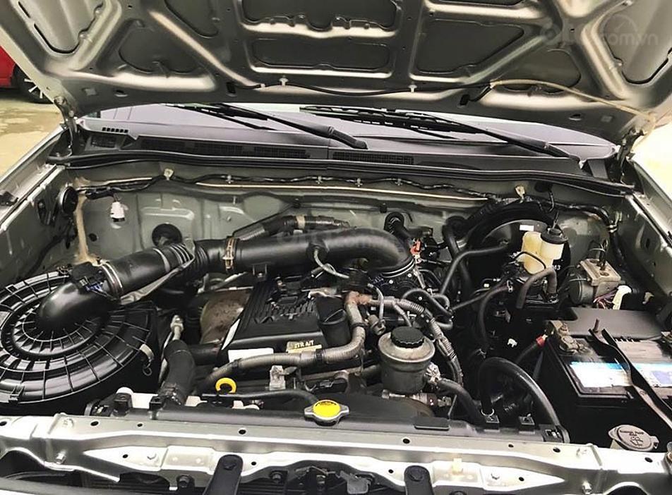 Bán ô tô Toyota Fortuner sản xuất năm 2011, màu bạc còn mới, giá 450tr (7)