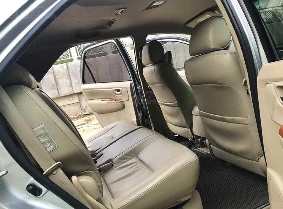 Bán ô tô Toyota Fortuner sản xuất năm 2011, màu bạc còn mới, giá 450tr (2)