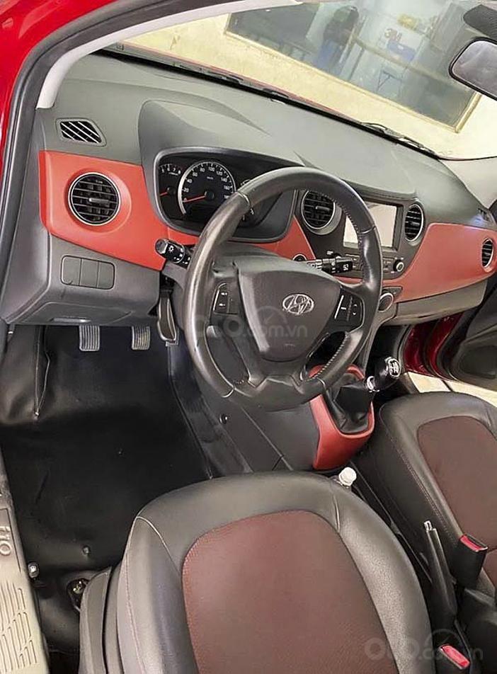 Cần bán Hyundai Grand i10 sản xuất 2019, màu đỏ còn mới (4)