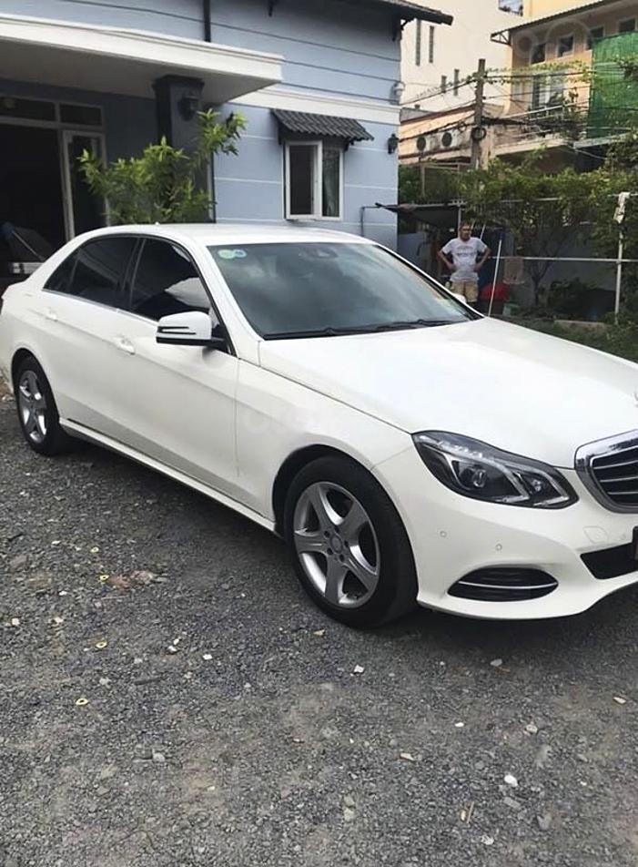 Bán Mercedes E class sản xuất năm 2014, màu trắng còn mới (3)