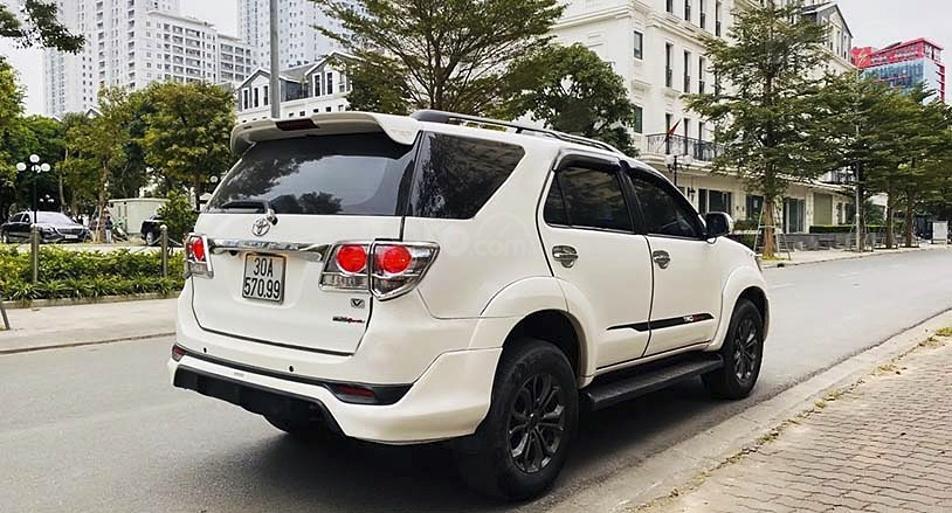 Bán Toyota Fortuner TRD Sportivo 4x4 AT sản xuất năm 2015, màu trắng, giá chỉ 689 triệu (5)