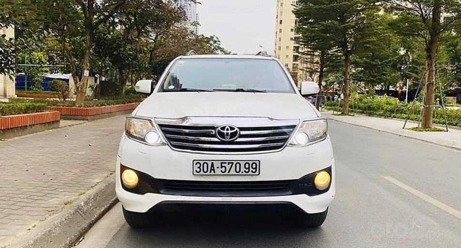 Bán Toyota Fortuner TRD Sportivo 4x4 AT sản xuất năm 2015, màu trắng, giá chỉ 689 triệu (6)