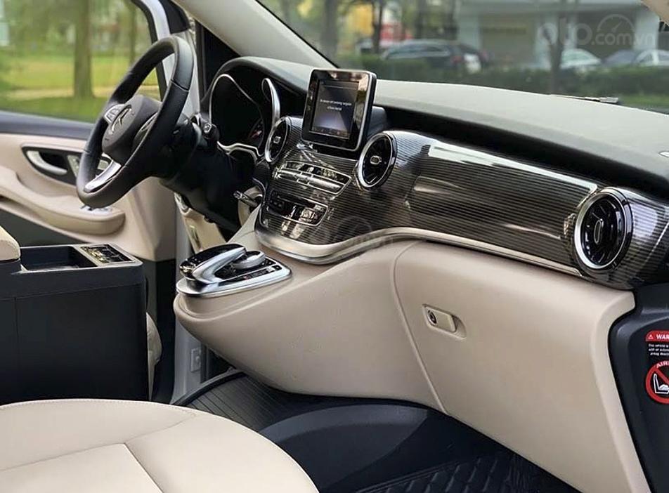 Bán Mercedes V Class sản xuất 2019, màu trắng, nhập khẩu nguyên chiếc còn mới (2)
