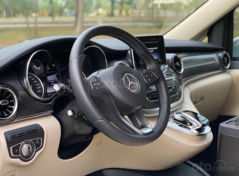 Bán Mercedes V Class sản xuất 2019, màu trắng, nhập khẩu nguyên chiếc còn mới (4)