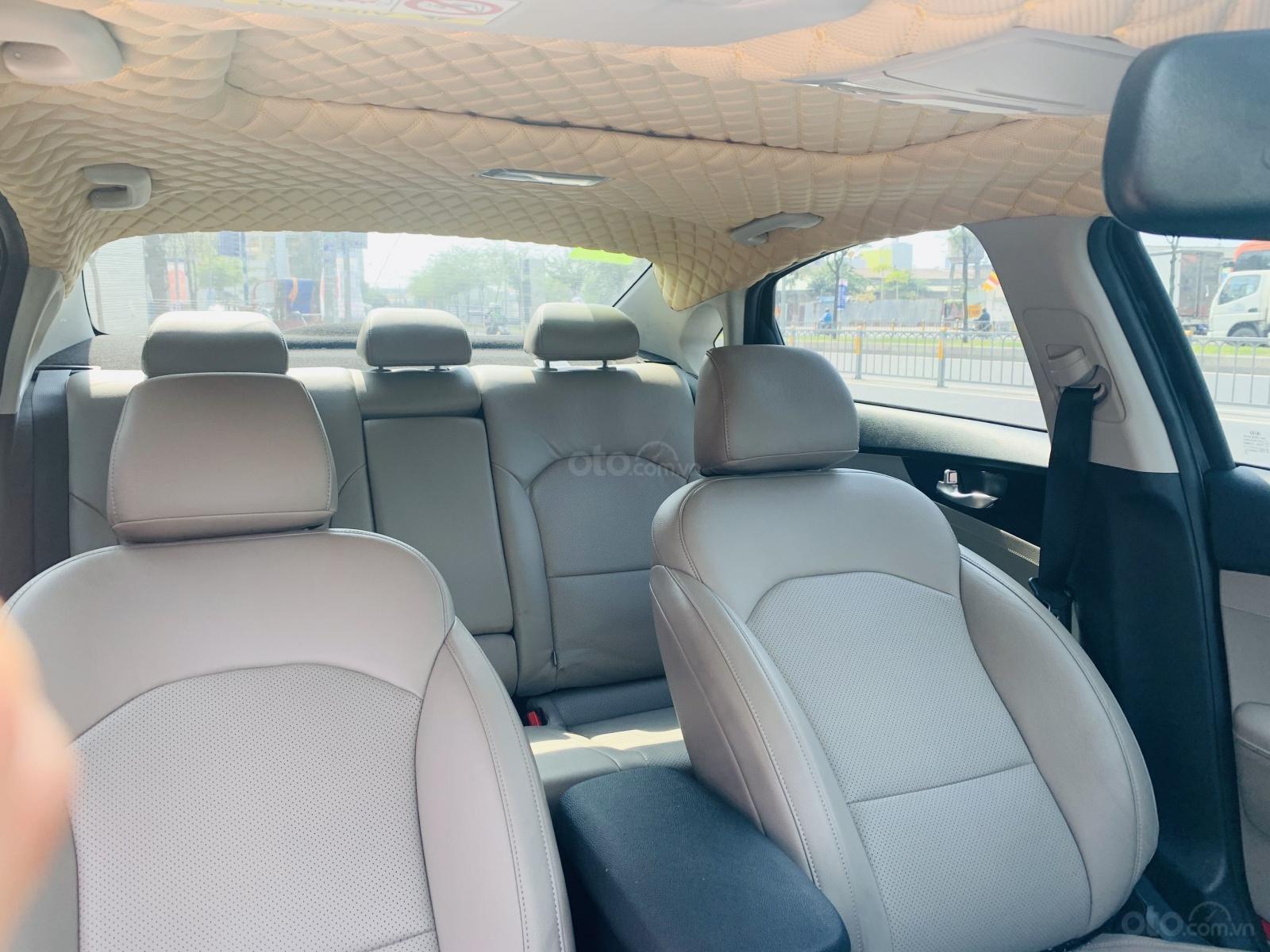 Kia Cerato 1.6AT Luxury 2019 màu xanh đen, biển tỉnh xe đẹp (9)