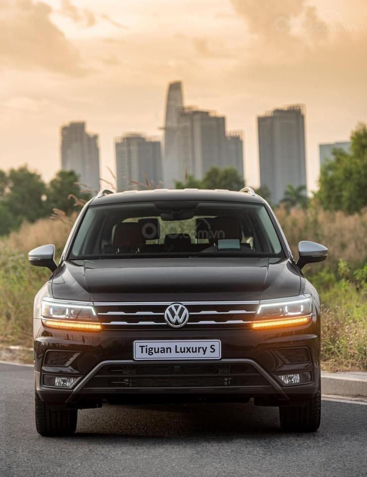 Tiguan Luxury S 2021 mới ra mắt có xe giao ngay - Tặng ngay IP 12 khi lấy xe trong tháng 1/2021 (3)
