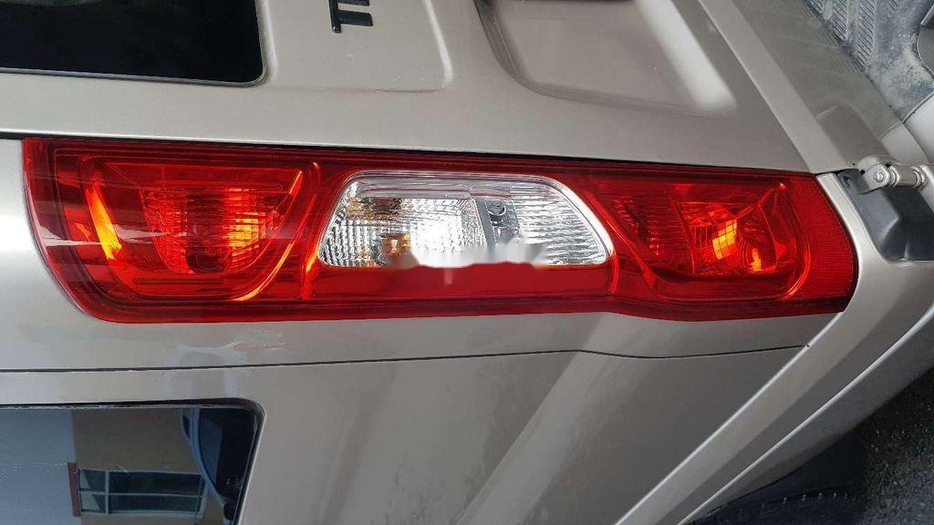 Cần bán xe Ford Transit sản xuất 2014 còn mới giá cạnh tranh (5)