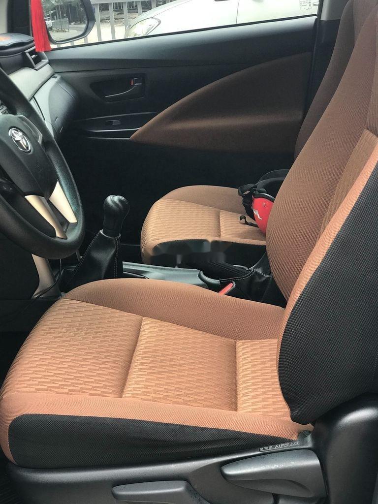 Bán ô tô Toyota Innova năm sản xuất 2018 còn mới (12)