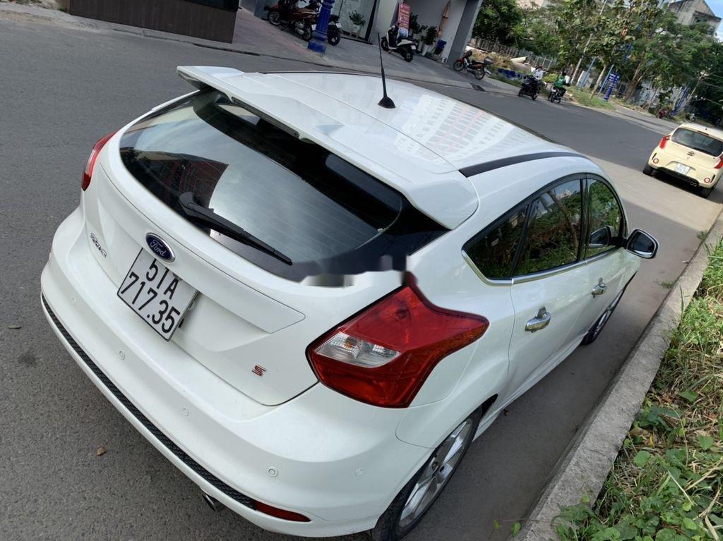 Bán Ford Focus đời 2013, màu trắng, giá 405tr (3)