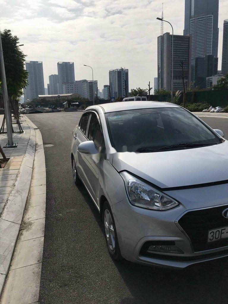 Bán Hyundai Grand i10 đời 2018, màu bạc chính chủ, 333 triệu (3)