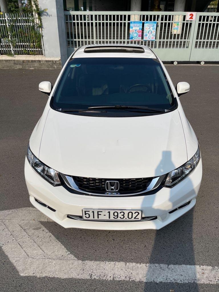 Cần bán Honda Civic sản xuất 2015 còn mới (1)