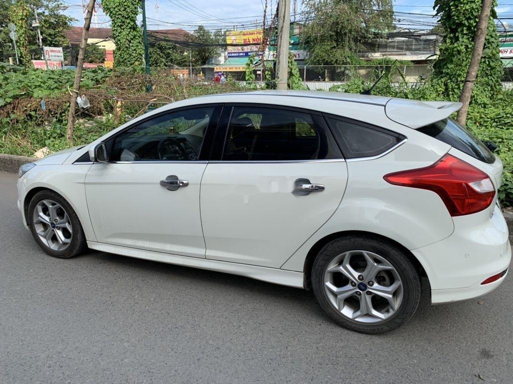 Bán Ford Focus đời 2013, màu trắng, giá 405tr (6)