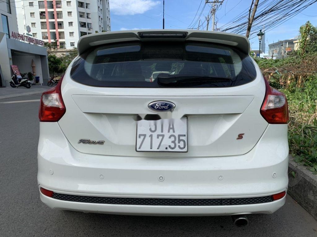 Bán Ford Focus đời 2013, màu trắng, giá 405tr (2)