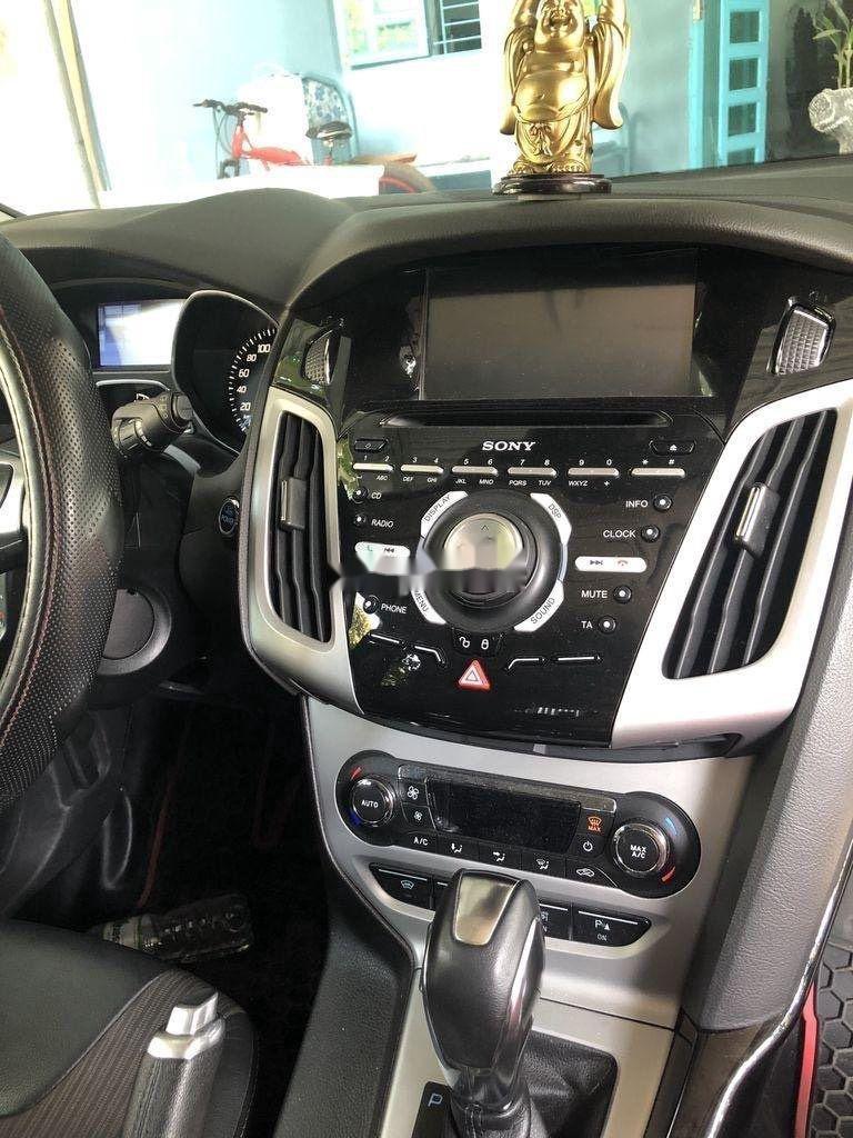Bán Ford Focus đời 2013, màu trắng, giá 405tr (7)