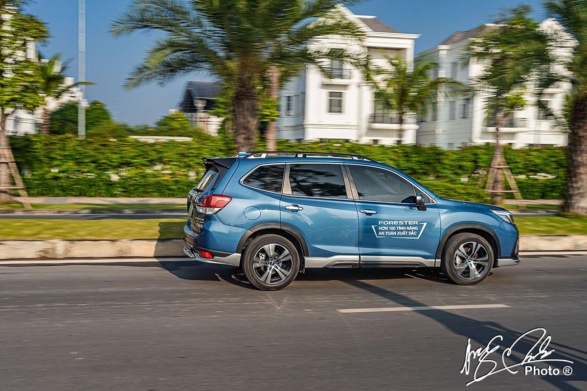 Thiết kế thân xe Subaru Forester 2021.